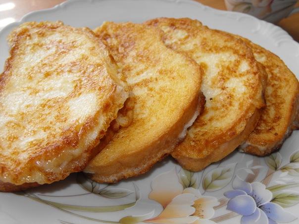 булка жареная в молоке с яйцом и сахаром