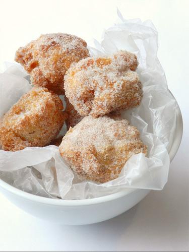 рецепт приготовления пончиков из творога в кипящем масле